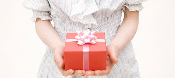 靴をプレゼントしよう!どんな相手にどんな靴をプレゼントする?のサムネイル画像