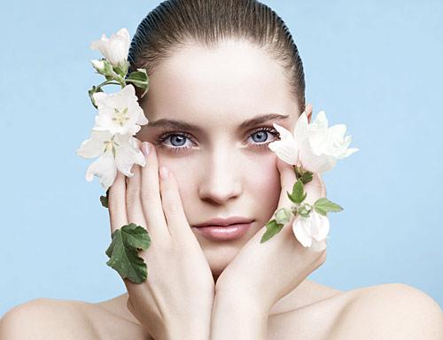 10歳若返る!正しいお肌のお手入れを覚えて美肌を手に入れよう!のサムネイル画像