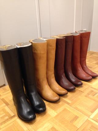 いつから履くの?季節に関係なく、夏からでも使えるロングブーツのサムネイル画像
