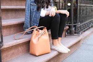 大人のお洒落は小物で決まる!大人女子のお出かけ上品バッグのサムネイル画像