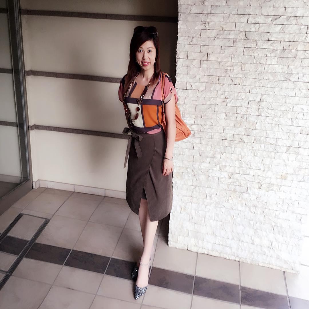 「茶色スカート」で秋カラーを先取り!丈別コーディネート集のサムネイル画像