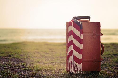 旅のお洒落はバッグから!かっこ良く決めたいおすすめ旅行バッグのサムネイル画像