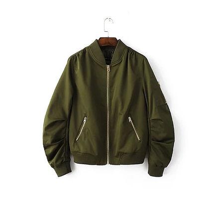 今秋注目アイテムの「フライトジャケット」種類別に使い分けコーデのサムネイル画像