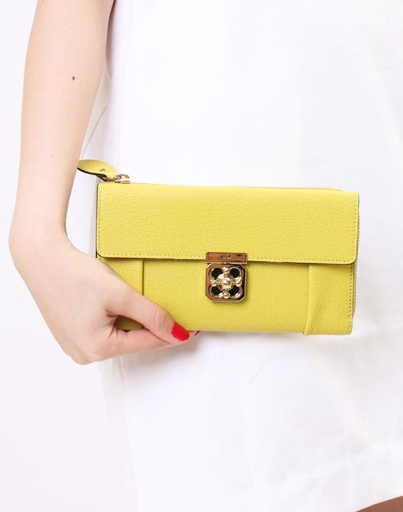 金運UP!お金を呼び寄せたいなら【黄色い長財布】を持ちましょう。のサムネイル画像