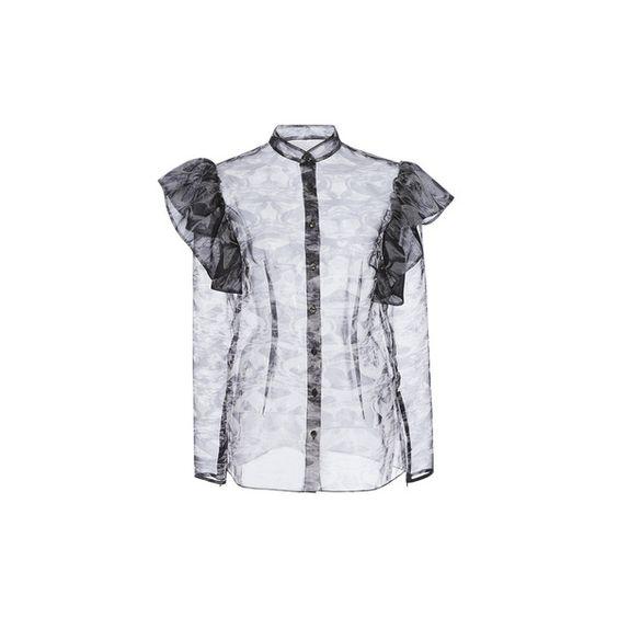トレンド服「シースルー」!秋冬おしゃれコーデにどう取り入れる?のサムネイル画像