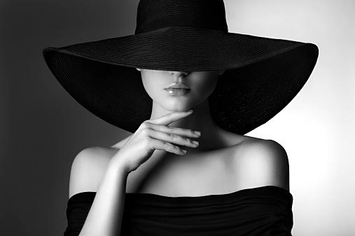 目指せ海外セレブ!かっこいい女になるための服の着こなし方!のサムネイル画像