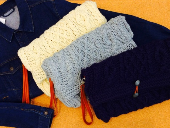 大人女子の秋冬コーデは、GUのクラッチバッグで上手にスタイリング!のサムネイル画像