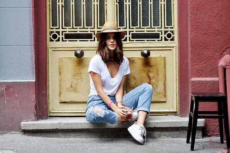 脚を長く魅せるレディースファッションアイテムはパンツがおすすめ!のサムネイル画像