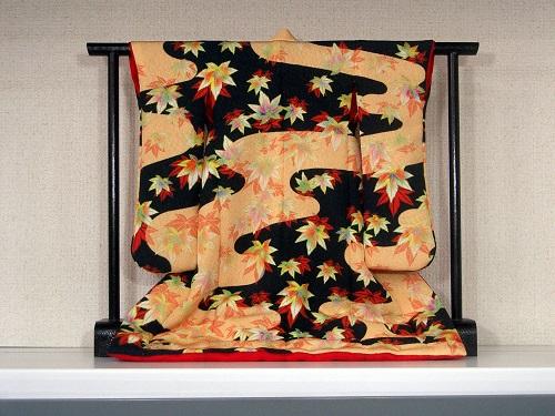 オリジナル着物でオシャレに差をつけよう!型紙から着物作りに挑戦!のサムネイル画像