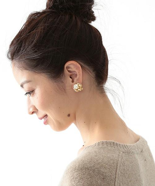魅力的なデザインがたくさん!おすすめイヤリングが大人かわいい♡のサムネイル画像