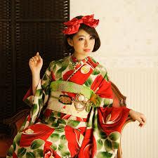襟や帯回り小物の柄や色、アレンジ次第で100倍楽しめる着物コーデ!のサムネイル画像
