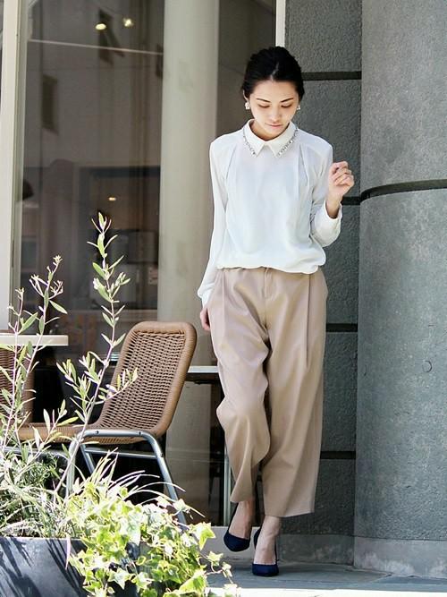 仕事中もファッションを楽しんで!オフィスカジュアルコーデをご紹介のサムネイル画像