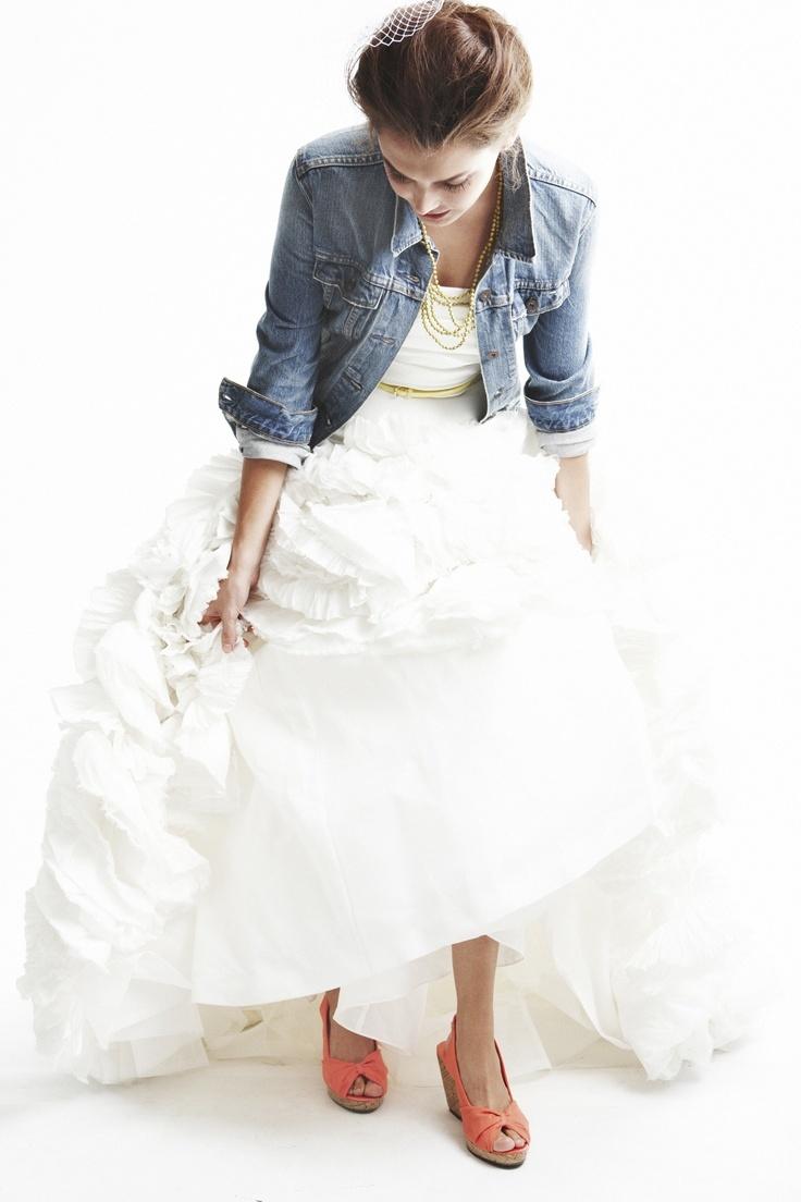 参考にしたい海外花嫁さんのカジュアルウェディングドレス♡のサムネイル画像