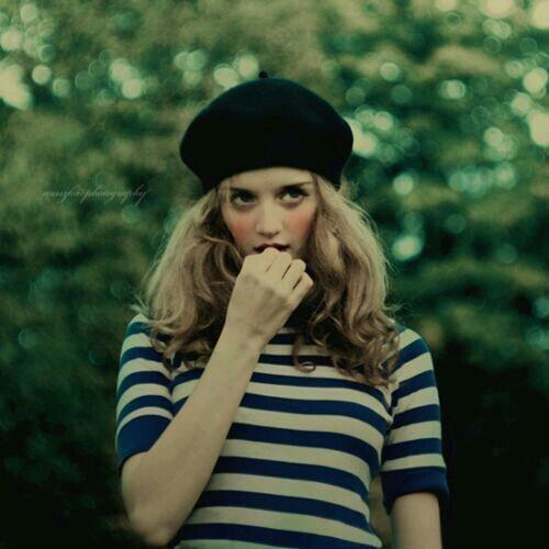 女性が大好きなファーのベレー帽!可愛さをアピールしたコーデが素敵のサムネイル画像