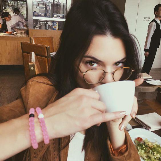 おしゃれな人は知っている!大人かわいい眼鏡であなたも大変身♡のサムネイル画像