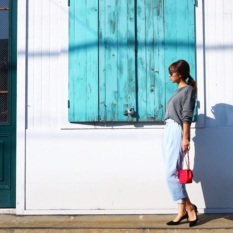 ニットでさりげない女性らしさを♡秋コーデは大人可愛く仕上げて!のサムネイル画像