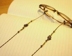 メガネをおしゃれに変身させる「メガネチェーン」をご紹介!のサムネイル画像