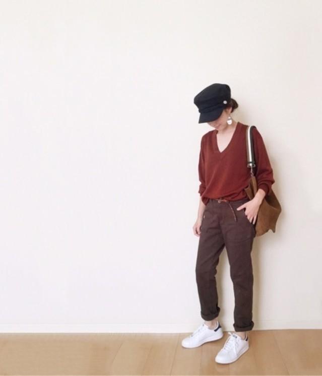 お手本コーデから学ぶ【Vネックセーター】トレンド着こなし術♡のサムネイル画像
