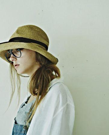 フレームの色や形にこだわりたい!自分らしいメガネの選び方のサムネイル画像