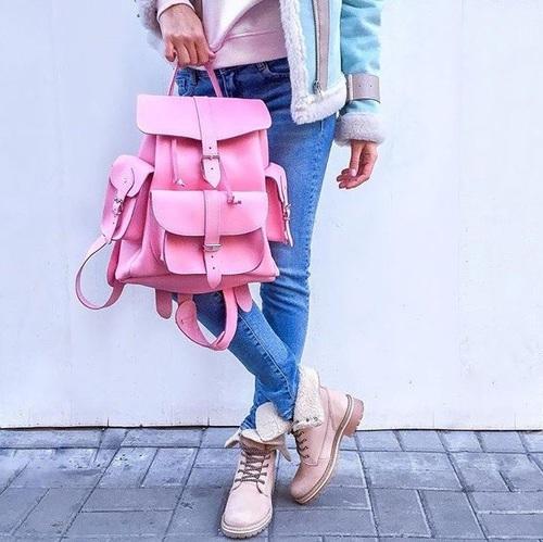 大人女子だってリュックを持ちたい!おすすめ・人気のブランドご紹介のサムネイル画像