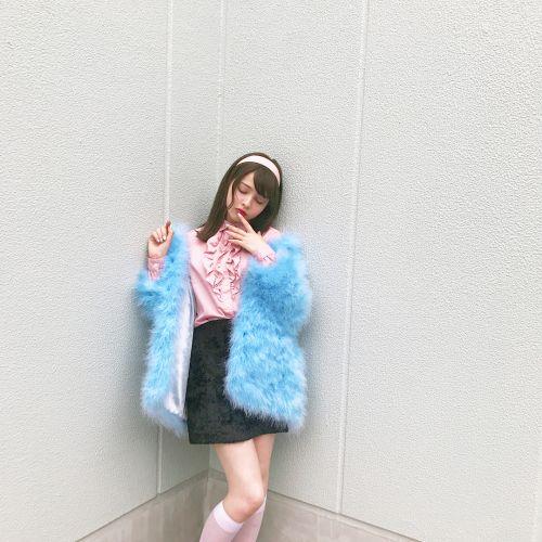 今年の秋冬コートは華やかに♡《カラーコート》カラー別紹介♡のサムネイル画像