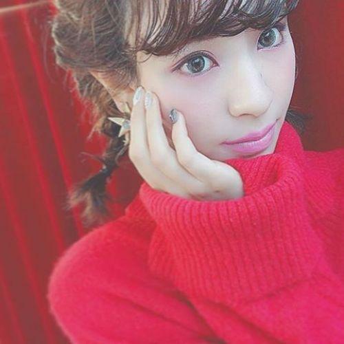 今年の冬に着たくなる色♡【赤コーデ】を極めてトレンド女子に!のサムネイル画像