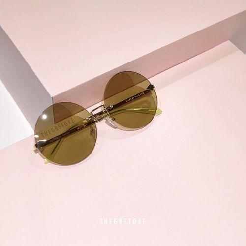 絶対流行る!【KAREN WALKER】のサングラスをチェック♡のサムネイル画像