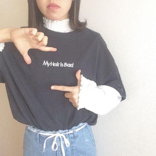 個性をだしたいなら断然コレ! 《バンドTシャツ》でお目立ち可愛い♡のサムネイル画像