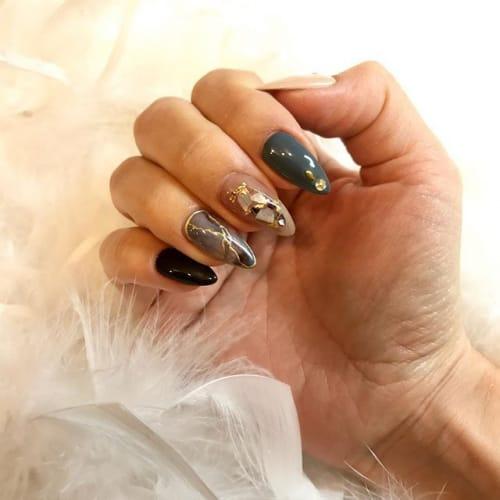 この指先は、誰にも媚びない。 【渋色×ニュアンスネイル】カタログ♡のサムネイル画像