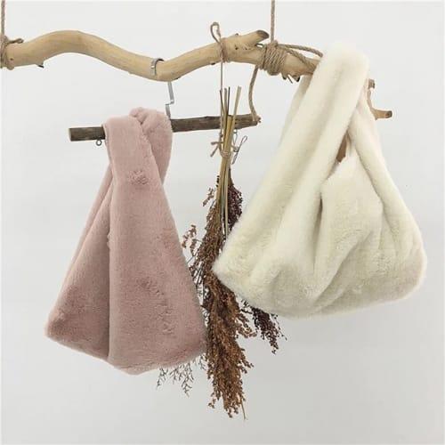 コーデに合う《バッグ》を選ぼう! オススメしたいバッグコーデ集♡のサムネイル画像