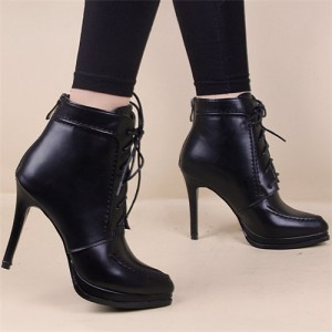 歩いても疲れにくいヒールって?靴の選び方やおすすめブランドを紹介のサムネイル画像