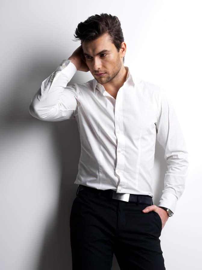 【男性必見】デキる男のビジネスワイシャツの選び方と着こなしのサムネイル画像