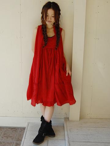 勝負服?!普段も着たい!!大人の赤のワンピース着こなし術のサムネイル画像