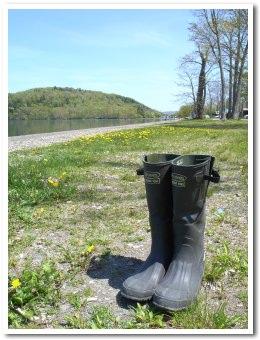 【アウトドア初心者必見!】アウトドアで大活躍する長靴とは!?のサムネイル画像