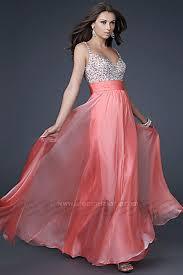 女性なら一度は着てみたいドレスの画像を色別に集めました!のサムネイル画像