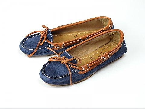 脱ぎ履きしやすく履きやすい!!モカシンの靴を履いて出かけよう!のサムネイル画像