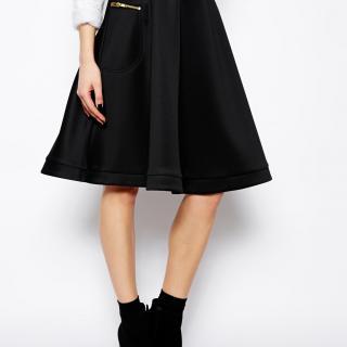 【色別】WEARで見つけたひざ丈フレアスカートのおすすめコーデのサムネイル画像