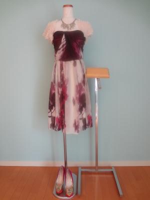 【あなたは知ってる?】披露宴に着て行く服装のマナーを学ぼう!のサムネイル画像