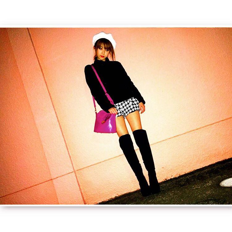 秋冬の定番!ショートパンツ×タイツのコーデをもっと可愛く♡のサムネイル画像