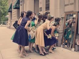 2次会にお呼ばれ!!ドレスはどんなものを着ていけばいいの?!のサムネイル画像