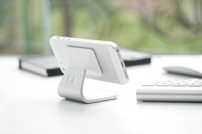 スマートフォンを可愛く彩る!スマートフォン用アクセサリーまとめ!のサムネイル画像