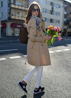 2015年秋冬・トレンチコート✕スニーカーが大人かわいい!!のサムネイル画像