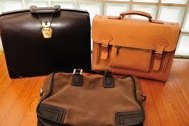 これだけで長持ち!革鞄の美しさを保つお手入れのタイミングと方法のサムネイル画像