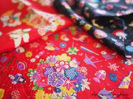 着物生地がこんなに素敵に生まれ変わる!着物生地を使ったリメイク品のサムネイル画像