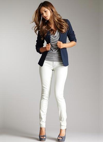 ジャケットとジーンズの組み合わせがおしゃれ!コーデを紹介♪のサムネイル画像