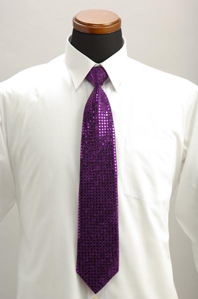 スーツを着たいけどネクタイの付け方がわからない!どうすればいい?のサムネイル画像