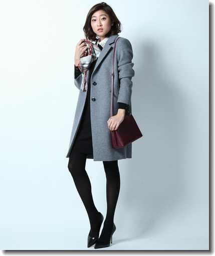 スタイルも良く見せてくれる!女性のスーツに合うコートまとめ!のサムネイル画像