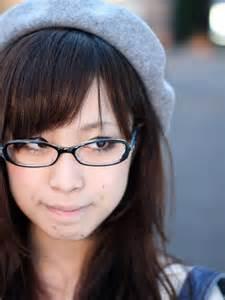 変えるべきはメガネ?それとも…メガネの似合う女性になるには?のサムネイル画像