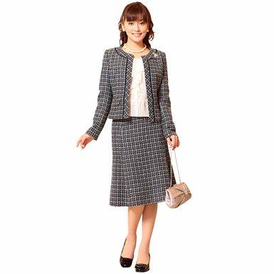 他のお母さん、先生への印象も抜群!入学式で着るフォーマルスーツのサムネイル画像