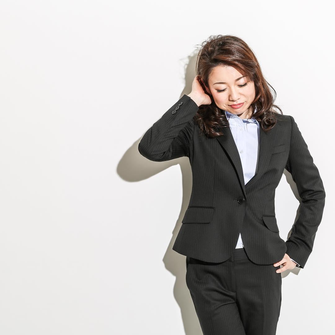 あなたは何着る?スーツの中に着たい!オススメインナー7選!のサムネイル画像